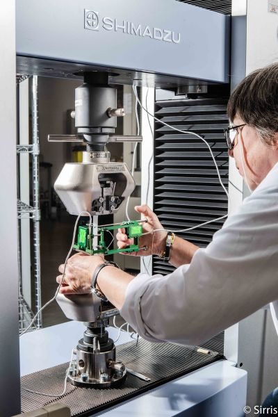 Accumalux tests the mechanical properties of thermoplastics